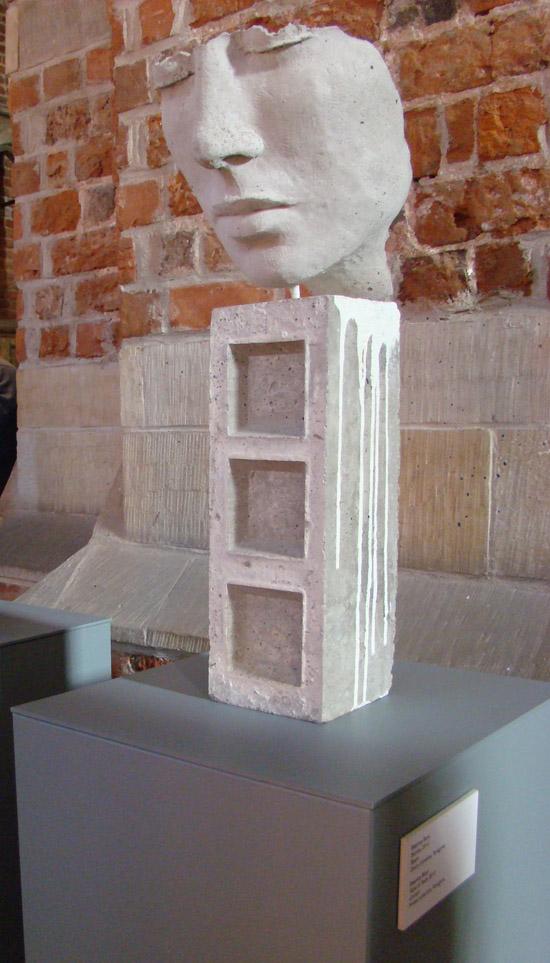 głowa ludzka-rzeźba