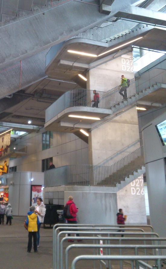 wnętrze stadionu